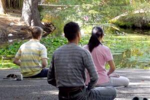 cours méditation en extérieur